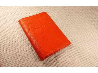 Обложка на паспорт 5 отделений для карт из кожи флотер красный Натуральная кожа Barez Россия